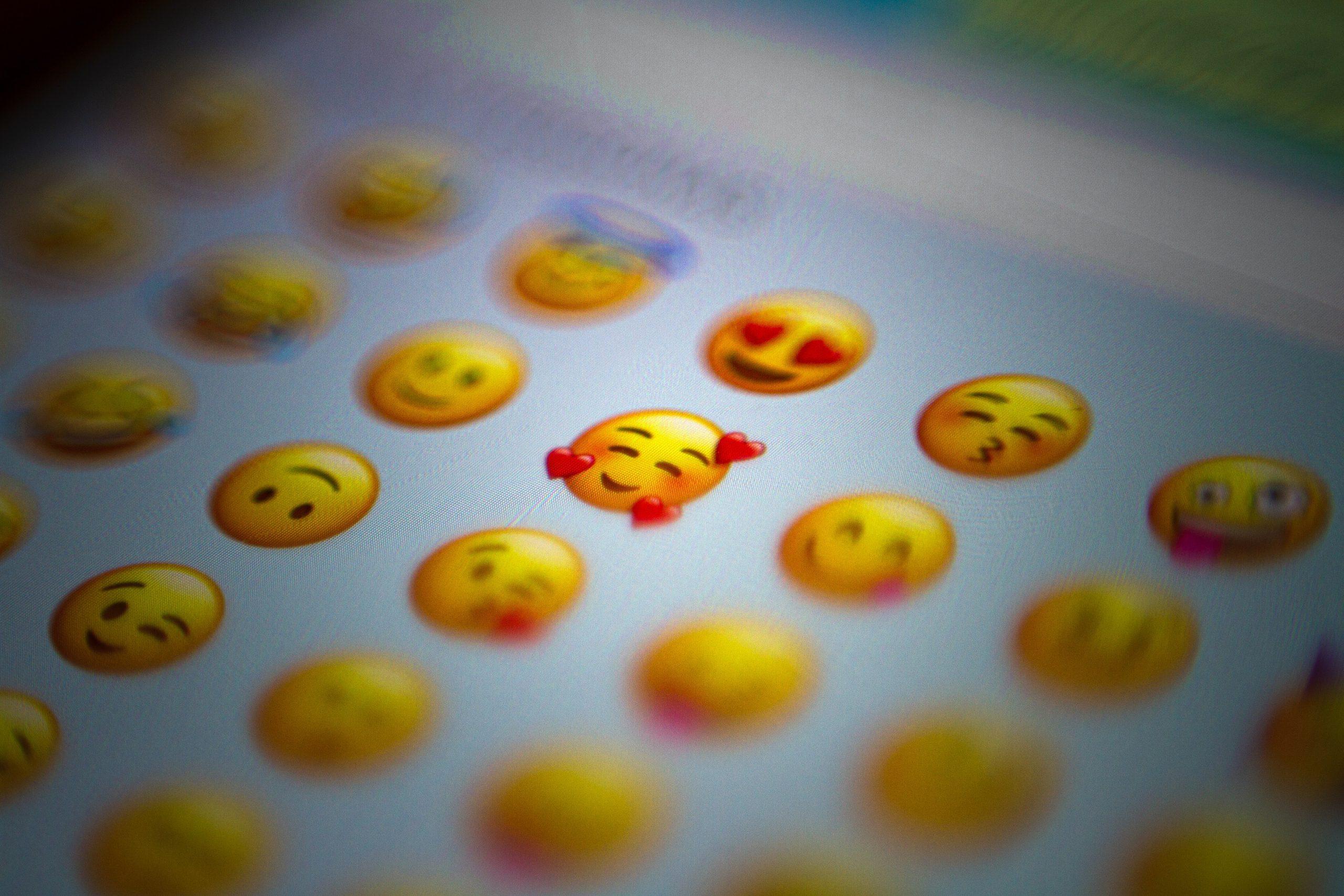 😉 🤔  😋 ¿Sabes lo que significan los emojis?