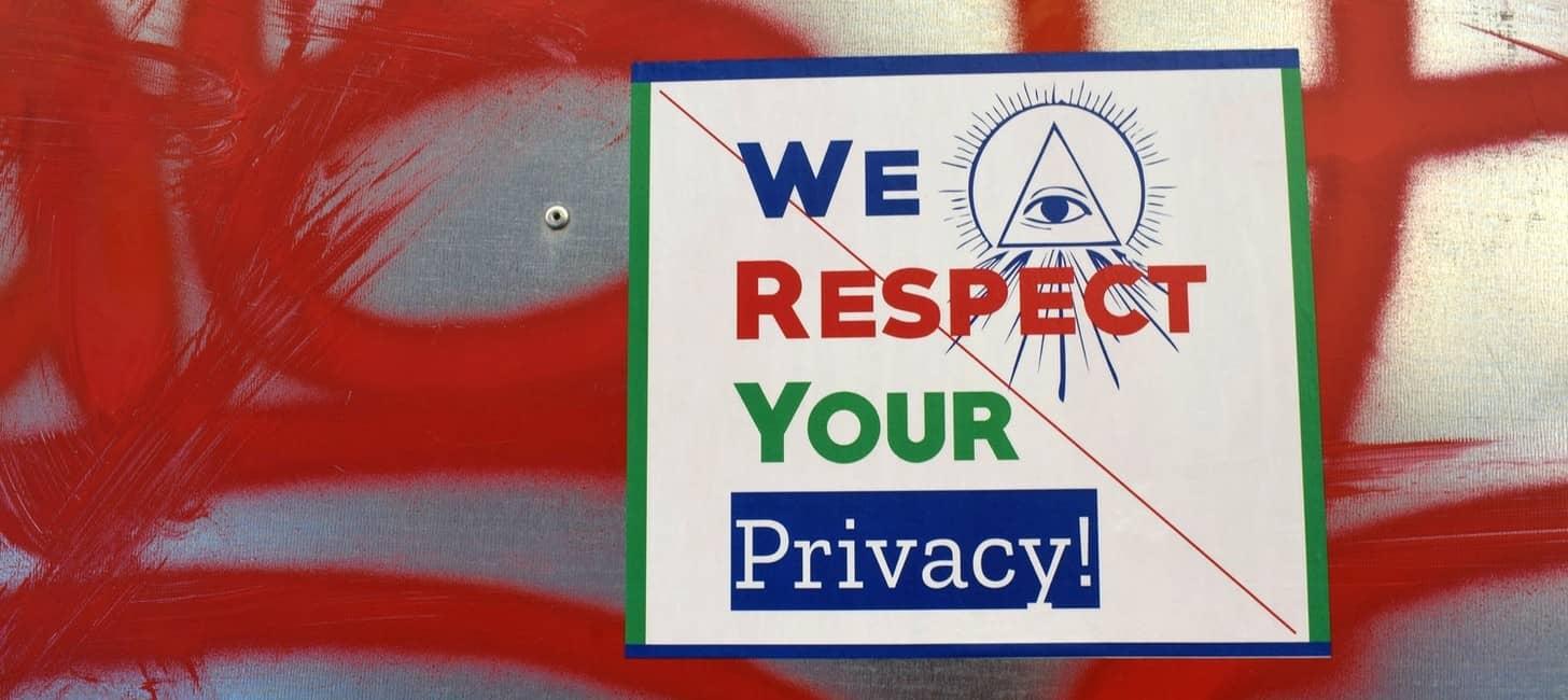 😓 🧽 🔓 El Privacy Washing en ComCorp